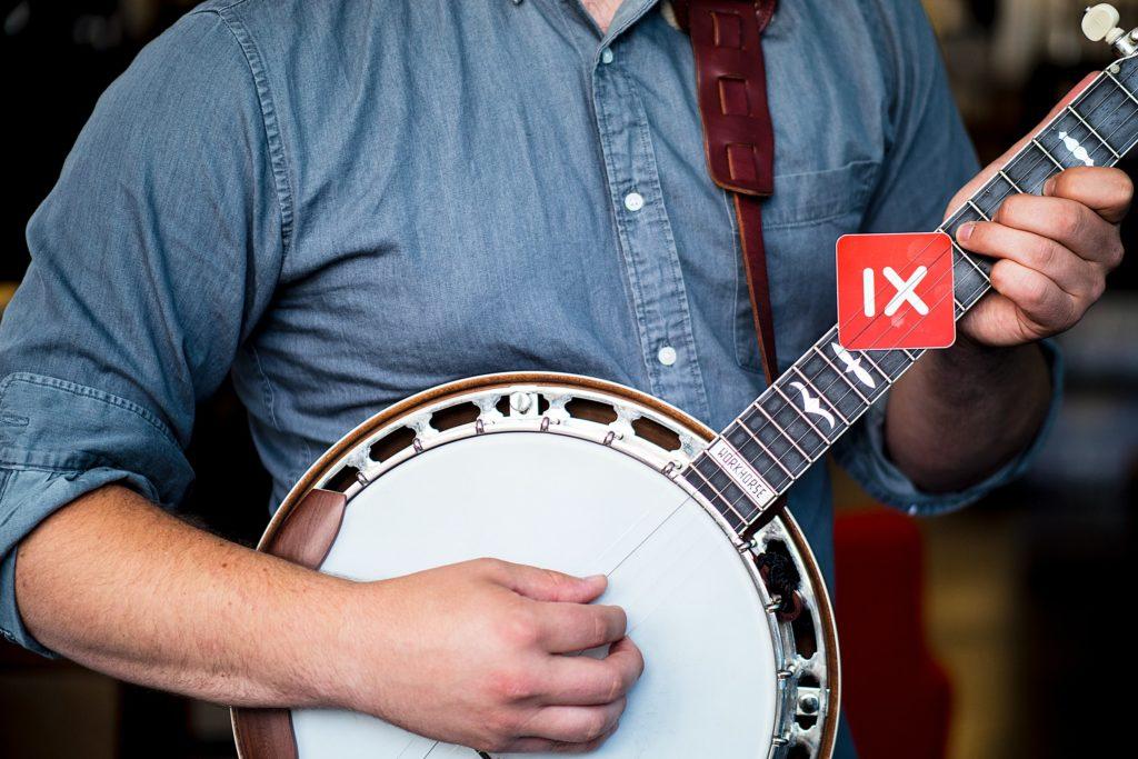 banjo les
